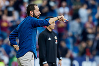 27th October 2019; Estadi Cuitat de Valencia, Valencia, Spain; La Liga Football, Levante versus Espanyol; Espanyol Manager Pablo Machin gives instructions to his team players - Editorial Use