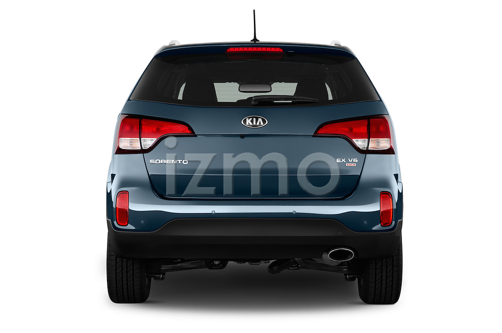 Straight rear view of a 2015 KIA Sorento EX V6 AT 5 Door Suv 2WD Rear View  stock images