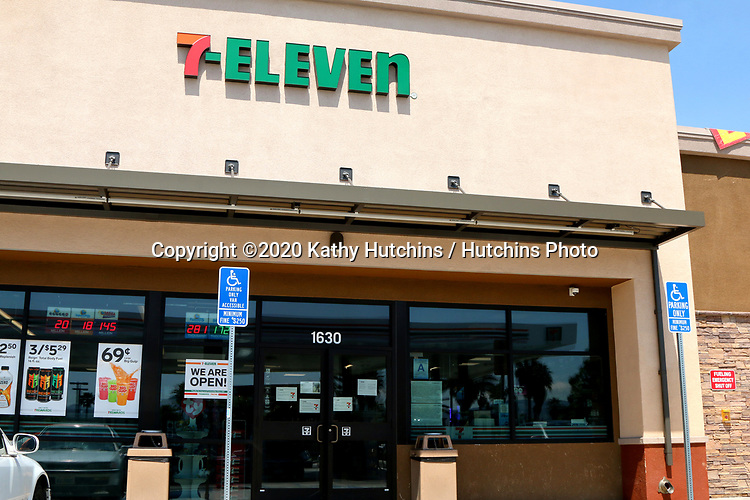 LOS ANGELES - APR 11:  7-Eleven Store at the Businesses reacting to COVID-19 at the Hospitality Lane on April 11, 2020 in San Bernardino, CA