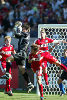 Pat Onstad, goalkeeper of the San Jose Earthquakes. .San Jose defeated the Chicago Fire 4-2 in the MLS Cup Championships, in Carson, Calif.