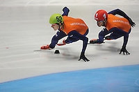 SHORTTRACK: DORDRECHT: Sportboulevard Dordrecht, 25-01-2015, ISU EK Shorttrack, 1000m Men Halve Finale, Freek VAN DER WART (NED | #52), Sjinkie KNEGT (NED | #1), ©foto Martin de Jong