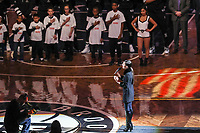 NEW YORK, EUA, 08.04.2017 - BROOKLYN NETS-CHICAGO BULLS - A cantora Sofia Carson é vista antes da partida entre Brooklyn Nets e Chicago Bulls no Barcleys Center em New York na noite deste sábado, 08. (Foto: William Volcov/Brazil Photo Press)