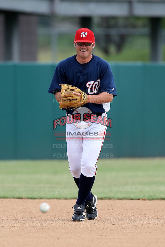 October 5, 2009:  Shortstop Roberto Perez of the Washington Nationals organization during an Instructional League game at Space Coast Stadium in Viera, FL.  Perez was selected in the 8th round of the 2009 MLB Draft.  Photo by:  Mike Janes/Four Seam Images