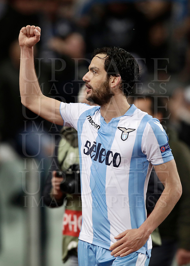 Europa League quarter-final 1st leg <br /> S.S. Lazio - FC Salzburg  Olympic Stadium Rome, April 5, 2018.<br /> Lazio's Marco Parolo celebrates after winning 4-2 the Europa League match between Lazio and Salzburg at Rome's Olympic stadium, April 5, 2018.<br /> UPDATE IMAGES PRESS/Isabella Bonotto