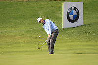 David Howell (ENG) chips onto the 9th green during Sunday's Final Round of the 2014 BMW Masters held at Lake Malaren, Shanghai, China. 2nd November 2014.<br /> Picture: Eoin Clarke www.golffile.ie