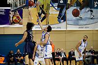 ZWOLLE - Basketbal, Landstede - Donar, Halve finale beker, seizoen 2017-2018, 18-02-2018, Donar speler Sean Cunningham in duel met Landstede speler Jordan Gregory