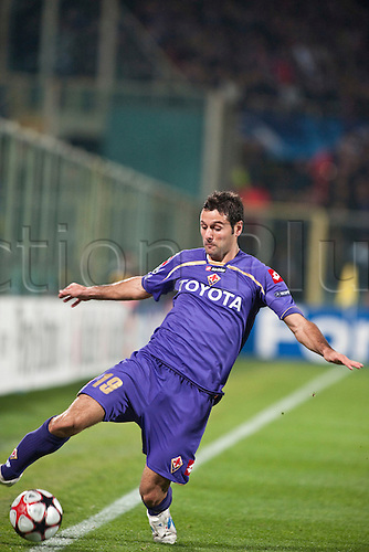 Massimi Gobbi (Fiorentina), NOVEMBER 24, 2009 - Football : Champions League 2009-2010, matchday 5, match between ACF Fiorentina and Olympique Lyon (1-0). Franchi Stadium. Florence. Italy. Photo by Enrico Calderoni/actionplus. UK Licenses Only