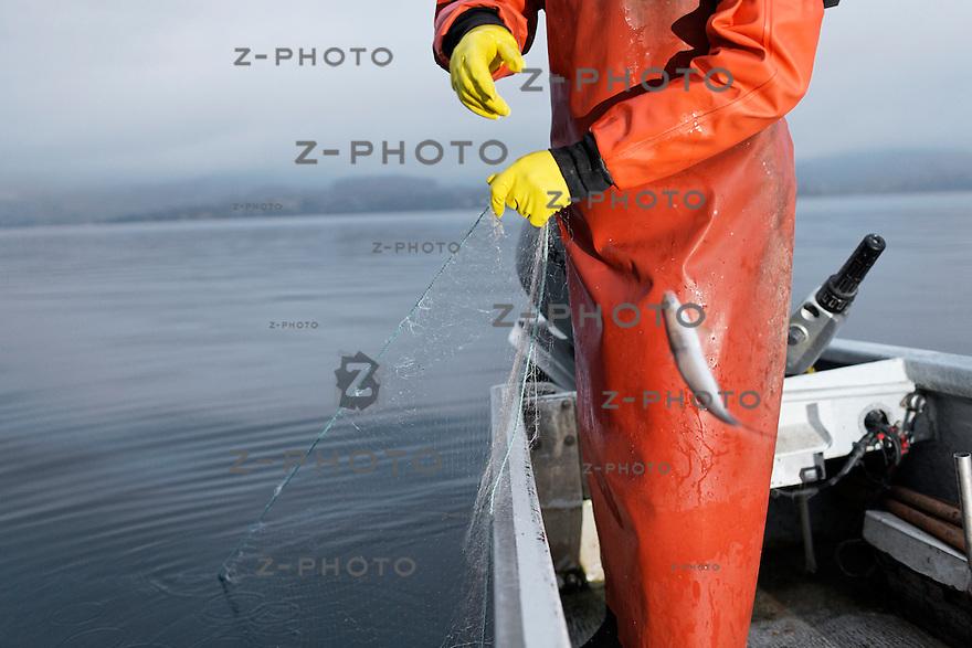 KMU Portrait von Nils A. Hofer Berufsfischer in Meggen am 12. Mai 2010..Copyright © Zvonimir Pisonic