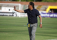 NEIVA  -COLOMBIA, 9-05-2017. Flavio Torres técnico del Pasto.Acción de juego  entre el  Atlético Huila y el Deportivo Pasto ,  encuentro  por la fecha 17 de la Liga Aguila I 2017  disputado en el estadio Guillermo Plazas Alcid ./ Flavio Torres coach of Pasto. Action game between Atletico Huila fights the ball against  and  Deportivo Pasto  during match for the date 17 of the Aguila League I 2017 played at Guillermo Plazas Alcid  stadium . Photo:VizzorImage / Sergio Reyes / Contribuidor
