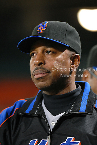Washington, D.C. - September 19, 2007 -- New York Mets manager Willie Randolph (12) watches third inning action against the Washington Nationals at RFK Stadium in Washington, D.C. on Wednesday, September 19, 2007.  .Credit: Ron Sachs / CNP.(RESTRICTION: NO New York or New Jersey Newspapers or newspapers within a 75 mile radius of New York City)