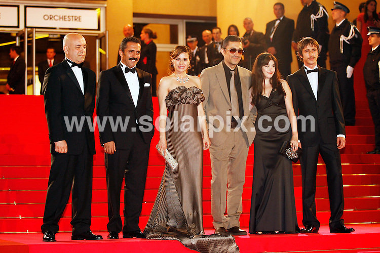 **ALL ROUND PICTURES FROM SOLARPIX.COM**.**SYNDICATION RIGHTS FOR UK, SPAIN, PORTUGAL, AUSTRALIA, S.AFRICA & DUBAI (U.A.E) ONLY**.The 2008 Cannes Film Festival the film premiere of Un Conte de Noel Premiere at the Palais de Festival in Cannes France..This pic:Les Trois Singes Cast Photo.JOB REF:6430-PHZ/Pixplanete      DATE:16_05_08 .**MUST CREDIT SOLARPIX.COM OR DOUBLE FEE WILL BE CHARGED* *UNDER NO CIRCUMSTANCES IS THIS IMAGE TO BE REPRODUCED FOR ANY ONLINE EDITION WITHOUT PRIOR PERMISSION*