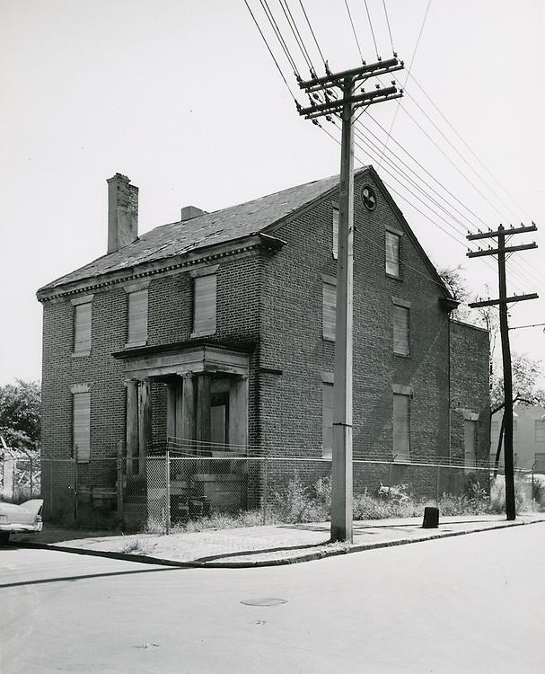 1961  October  05..Historical         ..HANNON HOUSE (c. 1794).CUMBERLAND ST..PHOTO CRAFTSMEN INC..NEG# 47-885.953..