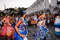 RIO DE JANEIRO, RJ, 26.01.2014 - ABERTURA DO CARNAVAL DE RUA DA LAPA / RJ- O bloco Céu na Terra e Rio Maracatu abrem o carnaval de rua da Lapa, reunindo cerca de 30 mil foliões em frente a Fundição Progresso, nos Arcos da Lapa, no centro do Rio de Janeiro. (Foto: Marcelo Fonseca / Brazil Photo Press).
