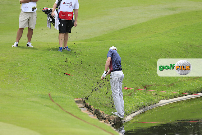 Daniel Berger(USA) on the 14th during Round 2 of the 2015 CIMB Classic at the Kuala Lumpur Golf &amp; Country Club in Malaysia on Friday 30/10/15.<br /> Picture: Thos Caffrey | Golffile