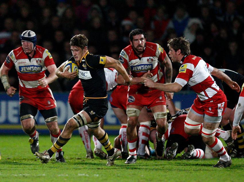 Photo: Richard Lane/Richard Lane Photography. Gloucester Rugby v London Wasps. Aviva Premiership. 26/12/2011. Wasps' Sam Jones attacks.