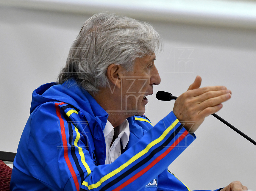 BARRANQUILLA - COLOMBIA - 22 - 03 - 2017: Jose Pekerman técnico de la Selección Colombia gesticula durante rueda prensa en Barranquilla. Colombia se prepara para el próximo partido contra la seleccion de Bolivia para la calificificacion a la Copa Mundo FIFA Rusia 2018. / Jose Pekerman coach of Colombia Team gestures during a press conference in Barranquilla. The Colombia Team preparing for the next game against Bolivia team for the qualifier to FIFA World Cup Russia 2018. Photos: VizzorImage / Luis Ramirez / Staff.
