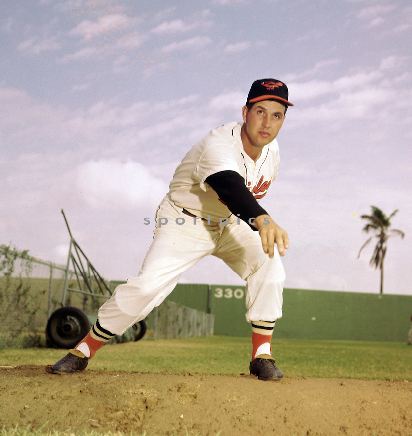 Baltimore Orioles Hoyt Wilhelm (15) portrait from his 1962 season.  Hoyt Wilhelm played for 21 years with 9 different teams, was a 5-time All-Star  and was inducted to the Baseball Hall of Fame in 1985(SportPics)