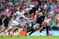 Sam Skinner of Exeter Chiefs goes on the attack. Gallagher Premiership match, between Exeter Chiefs and Leicester Tigers on September 1, 2018 at Sandy Park in Exeter, England. Photo by: Patrick Khachfe / JMP
