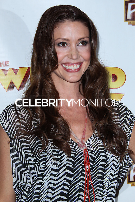 "HOLLYWOOD, CA - SEPTEMBER 18: Actress Shannon Elizabeth arrives at ""The Wizard Of Oz"" Opening Night held at the Pantages Theatre on September 18, 2013 in Hollywood, California. (Photo by Xavier Collin/Celebrity Monitor)"