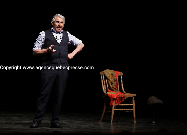 Le comique francais Michel Boujenah sur la scene de l'Olympia de Montr&eacute;al, le 17 mai 2016.<br /> <br /> French comic Michel Boujenah onstage at the Olympia of Montreal, May 17, 2016.<br /> <br /> PHOTO : Pierre Roussel -  Agence Quebec Presse