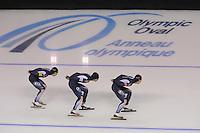 SCHAATSEN: CALGARY: Olympic Oval, 09-11-2013, Essent ISU World Cup,Team Pursuit, Seung-Hoon Lee, Hyong-jun Joo, Cheol-Min Kim (KOR), ©foto Martin de Jong