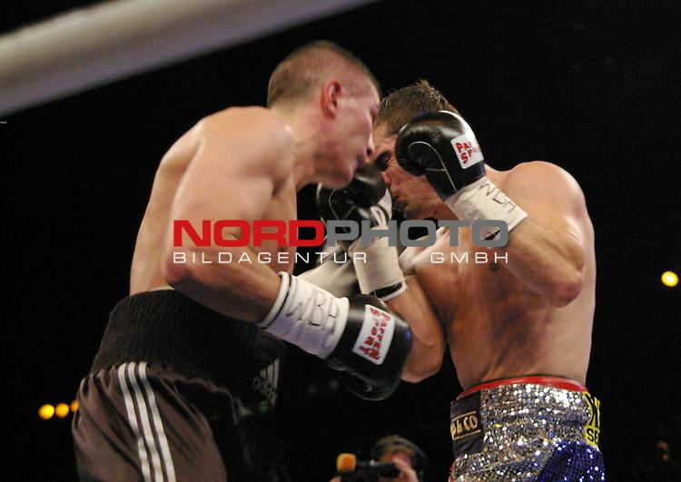 WBA-Weltmeisterschaft Supermittelgewicht<br /> <br /> Dimitri Sartison vs. Stjepan Bozic<br /> <br /> Dimitri Sartison (links), Stjepan Bozic (rechts)<br /> <br /> <br /> <br /> <br /> Foto &copy; nph (  nordphoto  )