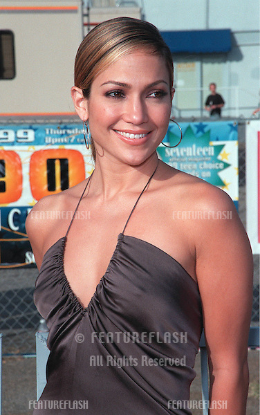 01AUG99: Actress JENNIFER LOPEZ at the 1999 Teen Choice Awards, in Santa Monica..© Paul Smith / Featureflash
