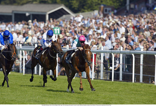 RICHARD HUGHES wins on SALCOMBE (Pink Cap), The European Breeders Fund Crocker Bulteel Maiden Stakes, Ascot 020727 Photo:Steve Bardens/Action Plus...Horse Racing.2002 horses....
