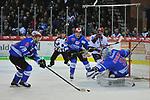 v.l. Schwenningens Istvan Bartalis (Nr.90), Schwenningens Kai Herpich (Nr.13) , Mannheims Chad Kolarik (Nr.42), Schwenningens Dustin Strahlmeier (Nr.34)  beim Spiel in der DEL, Schwenninger Wild Wings (blau) - Adler Mannheim (weiss).<br /> <br /> Foto &copy; PIX-Sportfotos *** Foto ist honorarpflichtig! *** Auf Anfrage in hoeherer Qualitaet/Aufloesung. Belegexemplar erbeten. Veroeffentlichung ausschliesslich fuer journalistisch-publizistische Zwecke. For editorial use only.