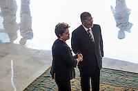 BRASÍLIA, DF 08 DE MAIO 2013 - CERIMÔNIA OFICIAL DE CHEGADA DO PRESIDENTE DO EGITO NO PALÁCIO DO PLANALTO - A presidente Dilma e o presidente do Egito Mohamed Morsi, no Palácio do Planalto nesta manhã de quarta-feira (08). FOTO RONALDO BRANDÃO / BRAZIL PHOTO PRESS