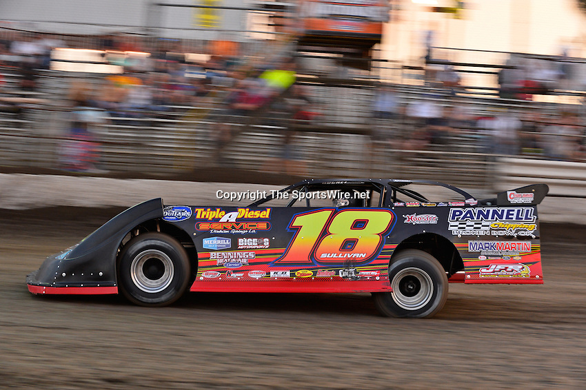 Feb 20, 2014; 6:03:48 PM;  Barberville, FL, USA;  World of Outlaws Late Model Series for 43rd Annual DIRTcar Nationals presented by Summit Racing Equipment at Volusia Speedway Park.  Mandatory Credit: (thesportswire.net)