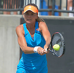 Daniela Hantuchova (SVK) defeats Teliana Pereira (BRA), 6-2, 6-3