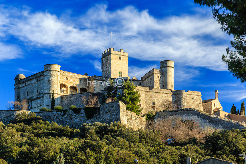 France, Vaucluse (84), Le Barroux, château du Barroux // France, Vaucluse, Le Barroux, the castle