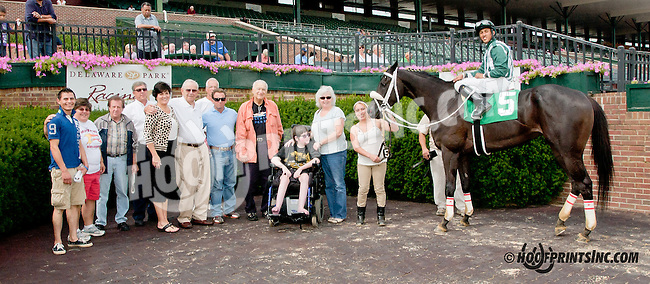 Everybody's Daddy winning at Delaware Park on 8/19/13