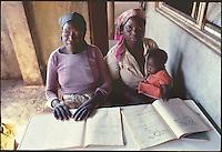 Mozambico, Maputo, alfabetizzazione adulti