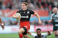 Chris Wyles of Saracens runs in a try past Telusa Veainu of Leicester Tigers during the Aviva Premiership semi final match between Saracens and Leicester Tigers at Allianz Park on Saturday 21st May 2016 (Photo: Rob Munro/Stewart Communications)
