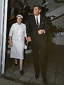 United States President John F. Kennedy meets with the Foriegn Minister of Israel, Golda Meir, at the Michael Paul residence in Palm Beach, Florida on December 27, 1962. <br /> Credit: Cecil Stoughton - The White House via CNP