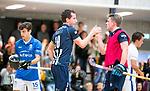 DELFT -  Kieran Dartee (HDM) met vliegende keeper, Sander Groenheijde (HDM) ,    tijdens de zaalhockey hoofdklasse competitiewedstrijd HDM-KAMPONG (7-8). COPYRIGHT KOEN SUYK