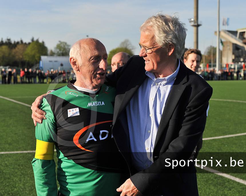 Brugge : 115 jarig bestaan van Cercle Brugge <br /> galawedstrijd tussen team 1900 (groen) en team 2000 (wit) : Jules Verriest (links) en Morten Olsen (rechts)<br /> foto VDB / BART VANDENBROUCKE