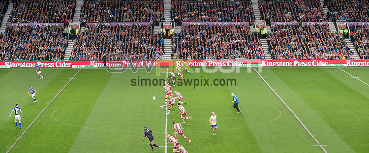 Picture by Allan McKenzie/SWpix.com - 10/10/2015 - Rugby League - First Utility Super League Grand Final - Leeds Rhinos v Wigan Warriors - Old Trafford, Manchester, England - General view, GV, fans, supporters, Kingstone Press, branding.