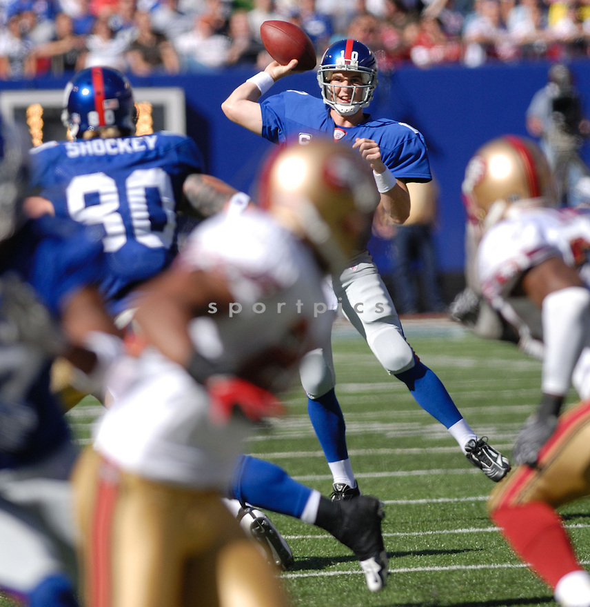 ELI MANNING, of the New York Giants in action during the Giants game against the San Francisco 49ers on October 21, 2007 in Meadowlands, New Jersey...GIANTS win 33-15..SportPics