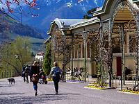 Wandelgang an der Winterpromenade, Meran-Merano, Bozen &ndash; S&uuml;dtirol, Italien<br /> Collonade at Winterpromenade, Meran-Merano, province Bozen-South Tyrol, Italy