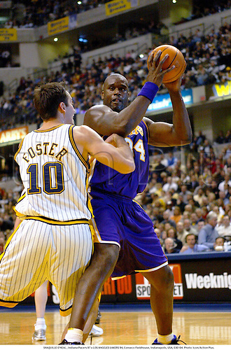 SHAQUILLE O'NEAL , Indiana Pacers 97 v LOS ANGELES LAKERS 94, Conseco Fieldhouse, Indianapolis, USA, 030104. Photo: Icon/Action Plus....2003.basketball basket ball.LA Lakers.NBA defence.men men's mens man.male