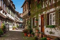 Deutschland, Baden-Wuerttemberg, Schwarzwald, Gengenbach im Ortenaukreis: die Engelgasse | Germany, Baden-Wurttemberg, Black Forest, Gengenbach: Engelgasse lane