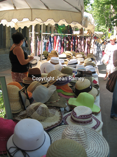 Hats at the marche