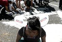 Roma, 4 Maggio 2014<br /> Piazzale Clodio<br /> Presidio davanti al tribunale per chiedere il dissequestro dell'Angelo Mai, la liberazione degli arrestati per il corteo del 12 Aprile e per i 14 indagati in attesa di risposte.