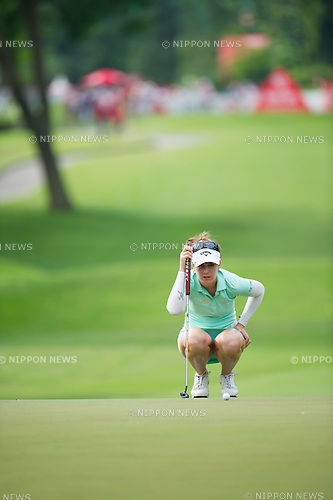 Sandra Gal (GER),.MARCH 3, 2013 - Golf :.Sandra Gal of Germany lines up during the final round of the the HSBC Women's Champions golf tournament at Sentosa Golf Club in Singapore. (Photo by Haruhiko Otsuka/AFLO)