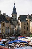 Europe/France/Aquitaine/24/Dordogne/Vallée de la Dordogne/Périgord/Périgord Noir/Sarlat-la-Canéda: Le marché