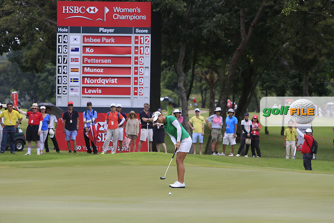 Azahara Munoz (ESP) on the 15th green during Round 3 of the HSBC Women's Champions at the Sentosa Golf Club, The Serapong Course in Singapore on Saturday 7th March 2015.<br /> Picture:  Thos Caffrey / www.golffile.ie