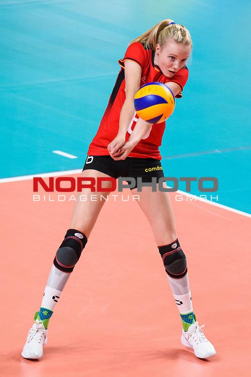 16.08.2019, …VB Arena, Bremen<br />Volleyball, LŠnderspiel / Laenderspiel, Deutschland vs. Polen<br /><br />Annahme Jennifer Geerties (#6 GER)<br /><br />  Foto © nordphoto / Kurth